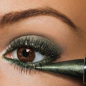 Деликатный карандаш-каял для глаз