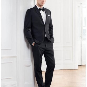 Модный мужской костюм на выпускной