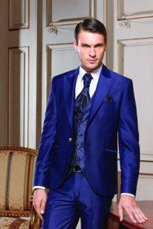 Советы стилистов по выбору синего костюма