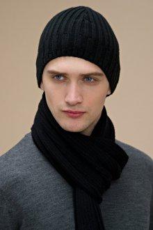 Стильная черная мужская шапка с шарфом