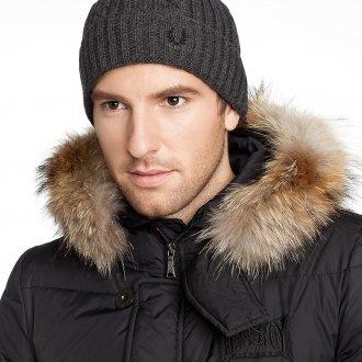 Стильная серая теплая мужская шапка