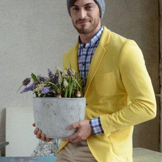Модная серая мужская шапка с помпоном