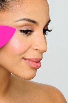 Что такое спонж для макияжа