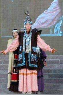 Традиционный костюм для взрослых жителей Якутии