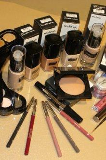 Какой косметикой пользуются профессиональные визажисты