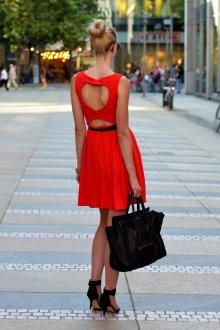 Туфли и сумочка для красного платья