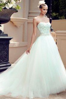 Мятное свадебное платье с пышной юбкой и корсетом