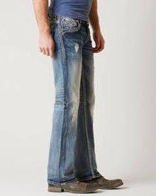 С чем носить джинсы-буткат