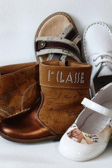 Модная детская кожаная обувь