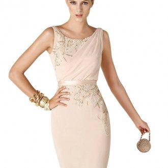 Короткое кремовое платье с пайетками на выпускной