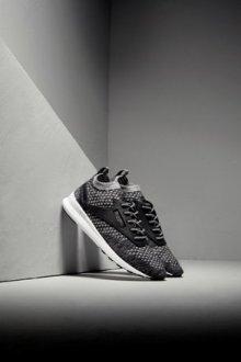 Минималистичные кроссовки