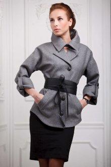 Короткое пальто для женщин за 40