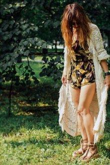 С платьем