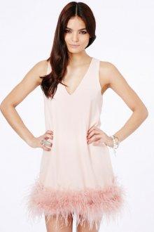 Розовое ежедневное платье с перьями