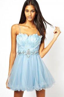 Голубое платье с перьями на выпускной