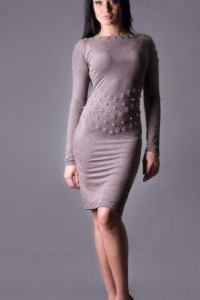 Серое замшевое платье футляр
