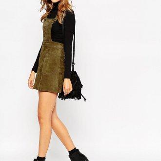 Зеленое замшевое платье сарафан