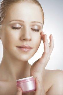 Особенности кремов от морщин после 30