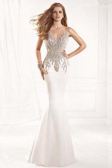 Белое блестящее платье