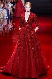 Длинное пышное блестящее платье