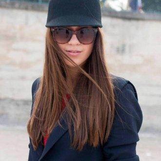 Черная модная женская шапка с козырьком и ушками