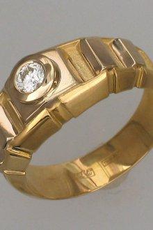 Мужское массивное кольцо с бриллиантом