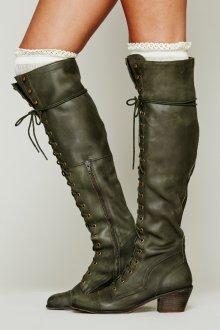 Зимние сапоги на шнурках