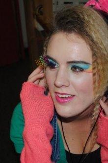 Особенности макияжа в стиле 90-х годов