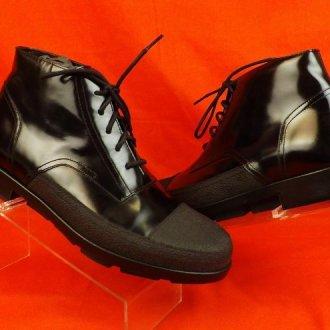 Особенности женских лакированных ботинок