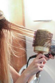 Особенности выпрямления волос феном