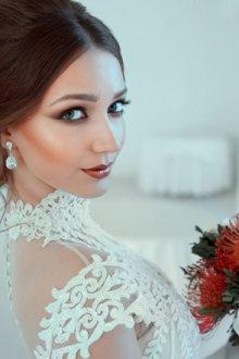Праздничный макияж и прическа