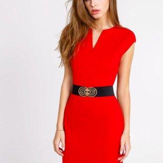 Красное платье для девушки цветотипа зима