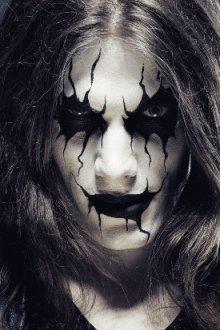 Креативный макияж в стиле рок-звезды