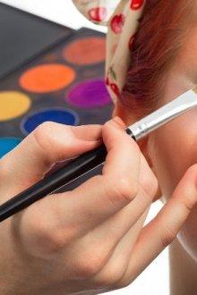 Тонкости выполнения макияжа