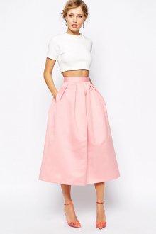 Вечерний образ с розовой юбкой и топом