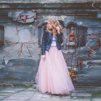 Длинная розовая юбка из фатина с курткой