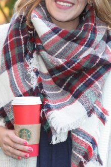 Особенности и преимущества шарфа-пледа