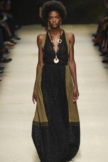Длинное черно-коричневое платье в викторианском стиле