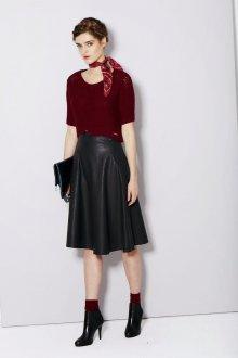 Черная юбка во французском стиле