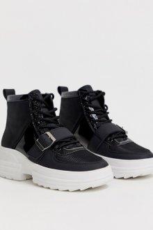 Особенности кроссовок на платформе