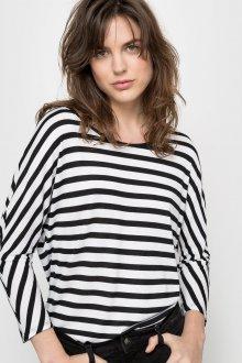 Свободная блуза в морском стиле
