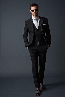 Роскошный черный мужской деловой костюм