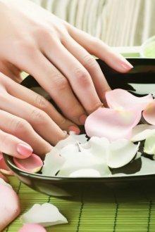 Когда и для чего нужно делать ванночки для ногтей