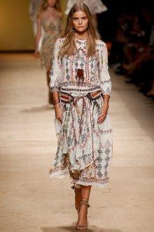 Легкое женственное платье в этническом стиле