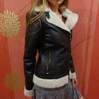 Женская короткая куртка-дубленка