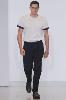 Мужской наряд в стиле минимализм