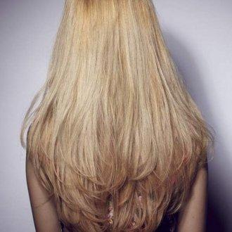 С каскадом только на кончиках волос