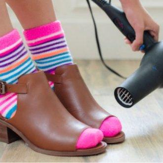 Как разносить обувь в домашних условиях