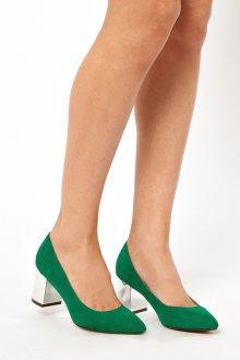 Зеленые замшевые туфли на толстом каблуке