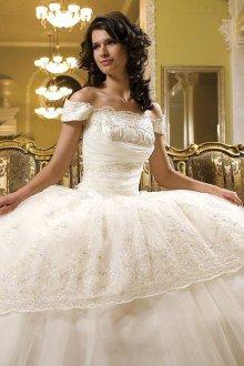 Свадебное пышное платье в стиле рококо